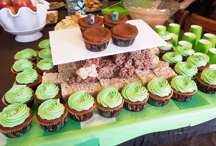 cream cheese cupcakes, Georgetown cupcakes frosting, minecraft birthday party, minecraft party